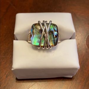 Jewelry - Ring size between 7 and 8